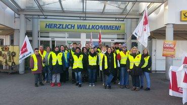Herzlich willkommen beim Streik der Beschäftigten von real Brühl