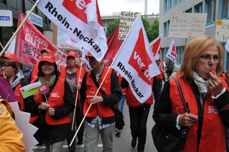 Kundegebung und Demo in Stuttgart