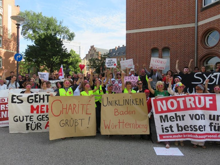 Charité grüßt Uniklinika Baden-Württemberg