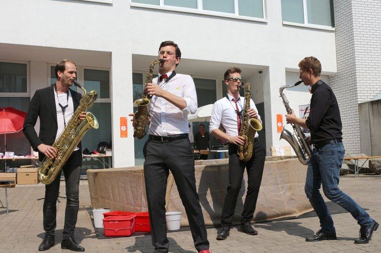 """Die Jazz-Combo """"SaxShop"""" sorgte mit viel Spaß für musikalische Unterhaltung."""